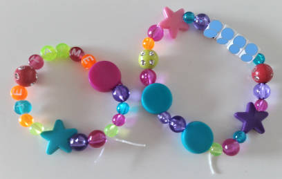 bracelets de perles multicolores